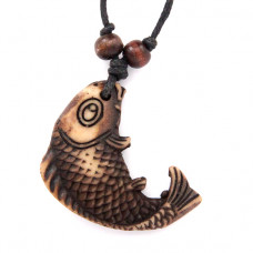 AP033 Амулет Рыба, имитация резьбы по кости, пластик, со шнурком