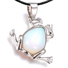 BJK012-O Кулон Лягушка со шнурком, лунный камень