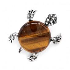 BR043-04 Брошь Черепаха 47х41мм с камнем Тигровый глаз