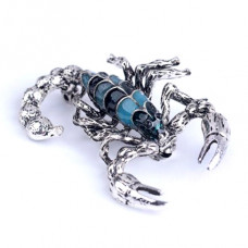 BR046 Брошь Скорпион, эмаль 5х2см, цвет серебр.