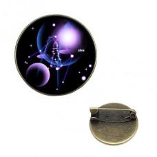 BR047-02 Значок d.2см Знаки Зодиака - Весы, цвет бронз.