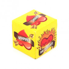 KGB004 Кубик гадальный (на любовь) 4х4см, пластик, бумага