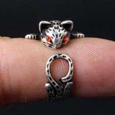 KL004 Кольцо Кошка безразмерное, металл, цвет серебр.