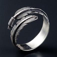 KL005 Кольцо Перо безразмерное, металл, цвет серебр.