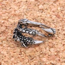 KL023 Кольцо Драконья лапа безразмерное, цвет серебр.