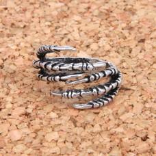 KL027 Кольцо Драконья лапа безразмерное, цвет серебр.