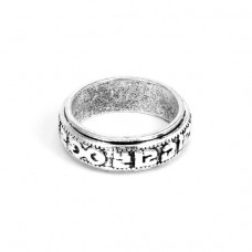 KL032-8 Кольцо с мантрами, размер 8 (18,5мм), цвет серебр.