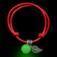 LGB001-1 Красный браслет со светящейся бусиной из нефрита 14мм, цвет свечения зеленый