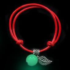 LGB001-3 Красный браслет со светящейся бусиной из нефрита 14мм, цвет свечения сине-зеленый