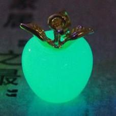 LGK001-1 Светящийся кулон Яблоко 19х14мм, нефрит, цвет свечения сине - зеленый