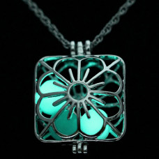 LGK025 Светящийся кулон - аромамедальон с цепочкой Цветок 35х28мм, цвет серебр.